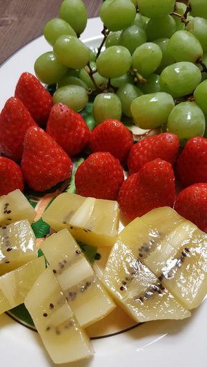 Kiwi - Fruit Fruit Red Close-up Sweet Food Food And Drink Strawberry Fruit Salad Berry Fruit