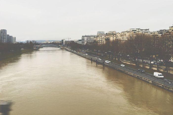Parispics Paris Paris ❤ Laseine River Seine Seine River Colorless Sad Sadday