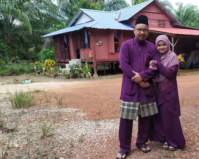 husband and wife Holding Hands Holding On Tight Hari Raya Aidilfitri Family Potrait Aidilfitri Couple - Relationship Couple In Love Romantic Husband And Wife Child Full Length Togetherness Portrait Family Smiling Women Family Bonds Dating Husband Wife Married Newlywed Wedding Vows Bridegroom Mature Couple Wedding Ceremony Honeymoon Senior Couple Farmhouse Arm Around