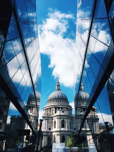 St. Paul's Cathedral, London StPaulscathedral London Sky Building Exterior Built Structure Architecture Cloud - Sky Blue Sky London Lifestyle EyeEmNewHere BYOPaper!