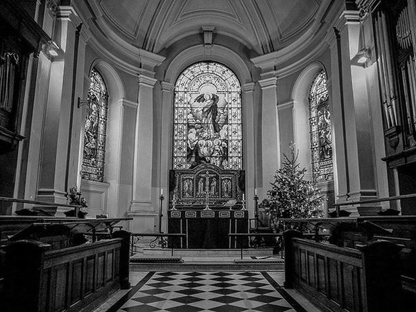 Forgot to add this one inside St Thomas's Church in Stourbridge UK. Instagram Bbcmtd POTD Dudley Stourbridge Church Stainedglass Church Bell Bells IGDaily Instapic Monochrome Blackandwhite Churches Stthomas Dark Blackcountry Westmidlands Worcester Religion Religious
