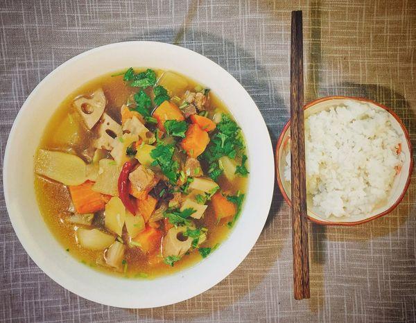 【❤️】最近上火比较严重, 那就炖点汤喝吧!😂 春子私房菜 一个人生活 手机摄影 美食 晚饭 夜宵