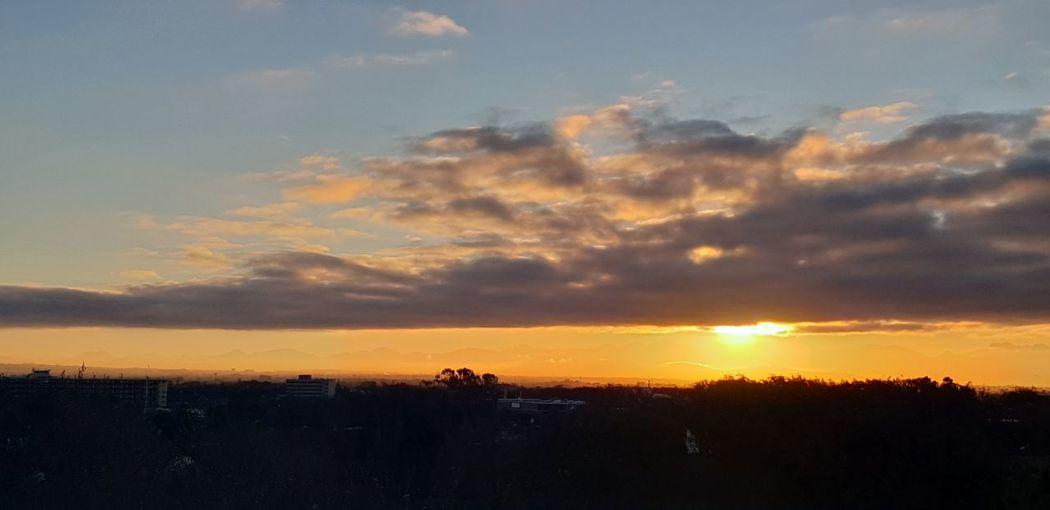 SUNRISE Sunrise Multi Colored Silhouette Dramatic Sky Beauty Atmospheric Mood Sky Moody Sky Shining