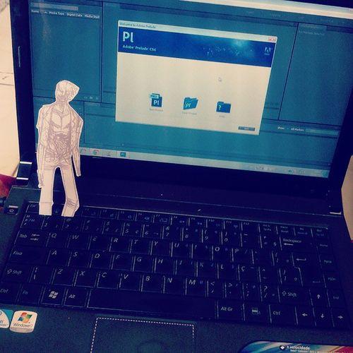 Ai você tenta usar o PC e tem um Zombie na frente Zombie Zumbi PC Computador Notebook