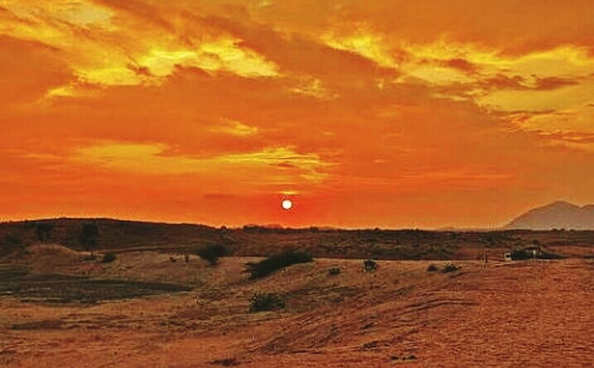 Deserts Around The World Thar Desert Sunset #sun #clouds #skylovers #sky #nature #beautifulinnature #naturalbeauty #photography #landscape