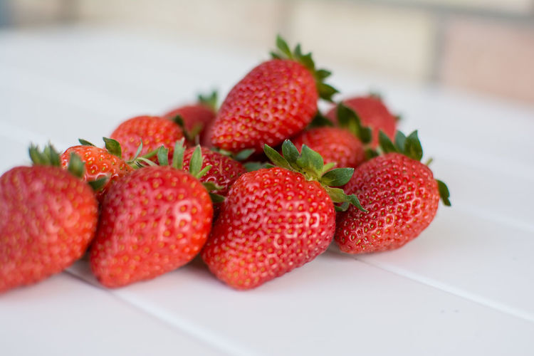 Berry Fruit Close-up Day Focus On Foreground Food Freshness Nature No People Organic Red Ripe Selective Focus Still Life Strawberry