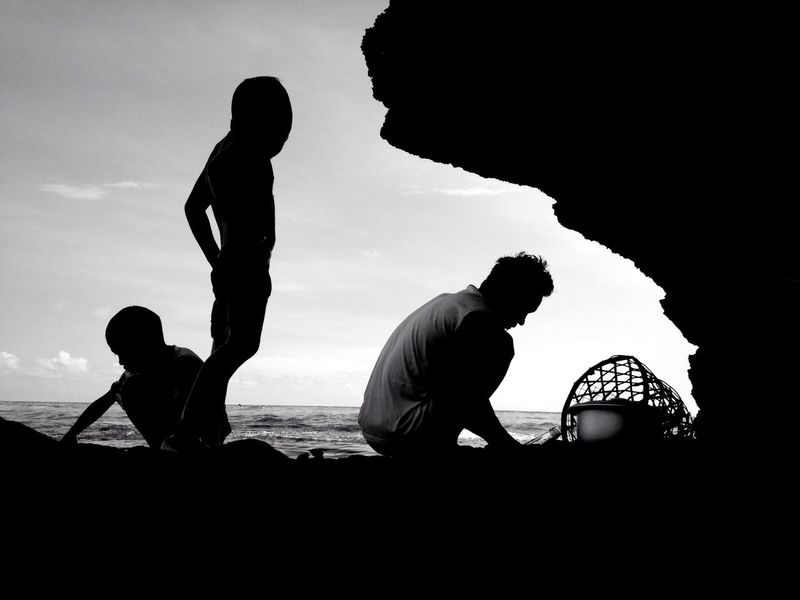Family Fatherhood Moments Father And Sons Father And Son Time Silhouette Silhouette Collection Black & White Beach Life Shore Lifestyles Every Picture Tells A Story My Point Of View Simple Things In Life Peace And Quiet Calm And Serene IMography Eyeem Philippines