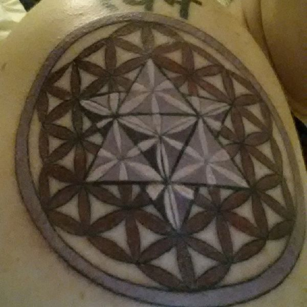 Yay my tattoo is completed! Thanks to Brian Hall at Hotrod Tattoo AZ in Chandler. Sacredgeometry Floweroflife Consciousness Spirituality spiralout merkaba hotrodtattooaz