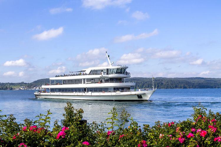 Cruise in sea against sky
