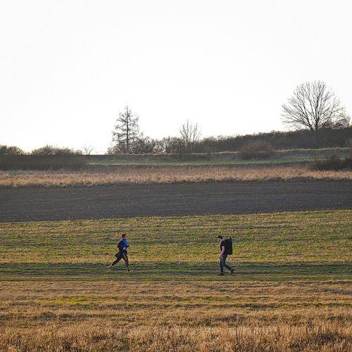 Run Runners Spring Minimalism Minimal Prague Praha Šárka Field