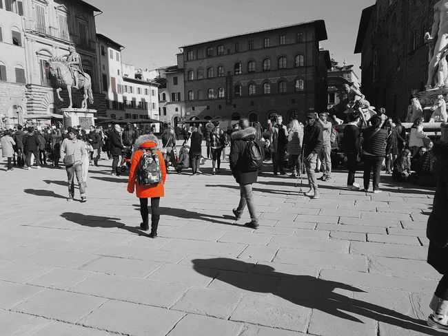 The City Light Built Structure Outdoors Shadow Walking Building Exterior Men Real People City Architecture Capture The Moment Io Sono Leggenda Samsung Galaxy S7 Edge Rosso Firenze EyeEm Best Shots Black And White Black And White Photography Black & White Blackandwhite City Life Travel Destinations Italy