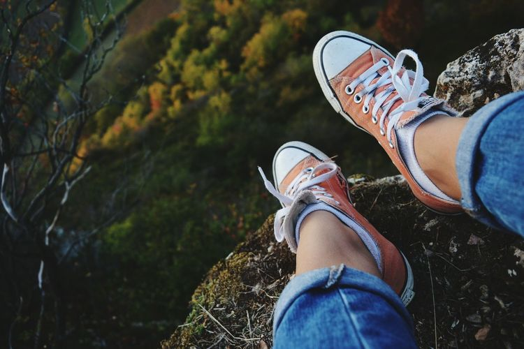 Shoe Low Section Personal Perspective Young Women Vines Colours Vignes Evening Picoftheday France Nikon Montains    Nature_collection EyeEm Nature Lover Orange Frenchgirl Converseallstar French Tree Mountain Converse Teenager Travel Nature Freedom