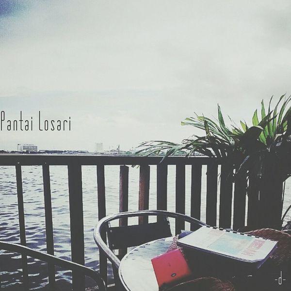 We can always enjoy any view around us. Pantai Losari Beach Enjoy Reading ExamWeek