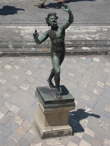 Art Balance Free Free And Easy Human Representation Motion Naked Pompeii  Sculpture Statue Tiled Floor