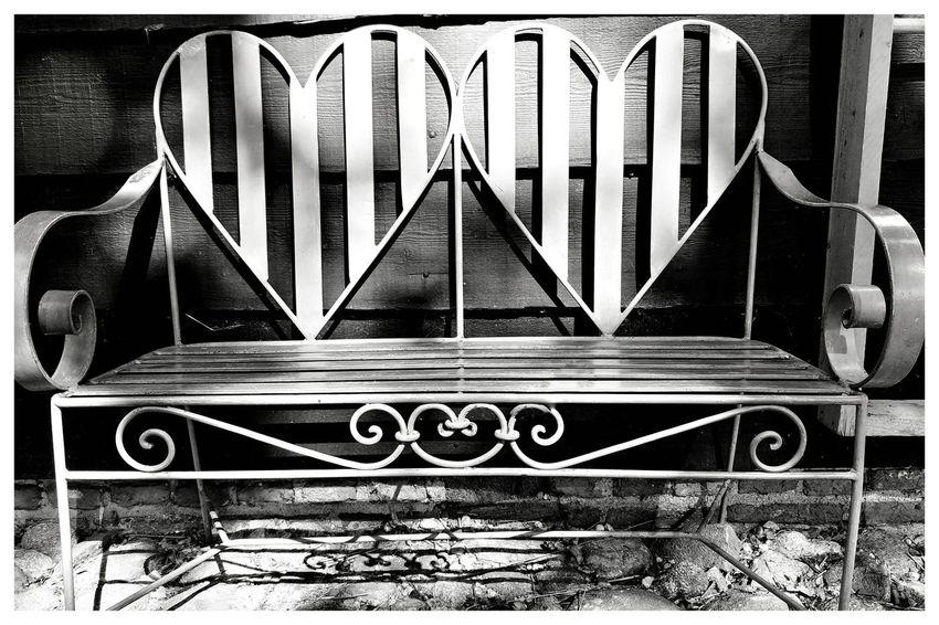 Love Seat Love Seat Seat Bench Antique Old Netherlands Blackandwhite Blackandwhite Photography Blackandwhitephotography Blackandwhitephoto Black And White Black And White Photography EyeEm Best Shots - Black + White Metal Close-up