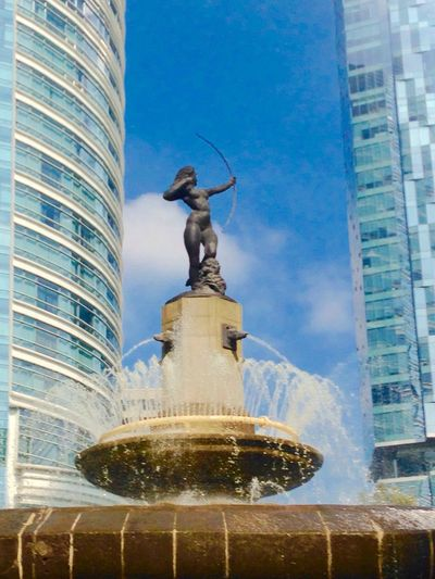 Sightseeing City Coolplace Sculpture Fountain ColorsOfMexico Mexico City Reforma Perspectives On Nature