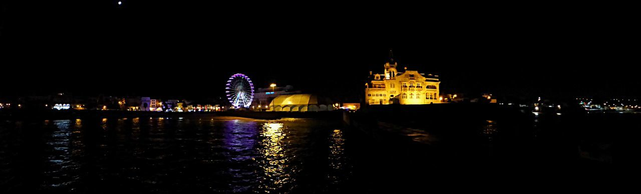 Sea view of Cascais bay, with the carousel and the Navy home .. beautiful view Baía Cascais Beautiful Carousel Building Exterior Carousel Cascais City City Life EyeEm Best Shots Illuminated Night Outdoors Portugal Portugal_em_fotos Showcase: December