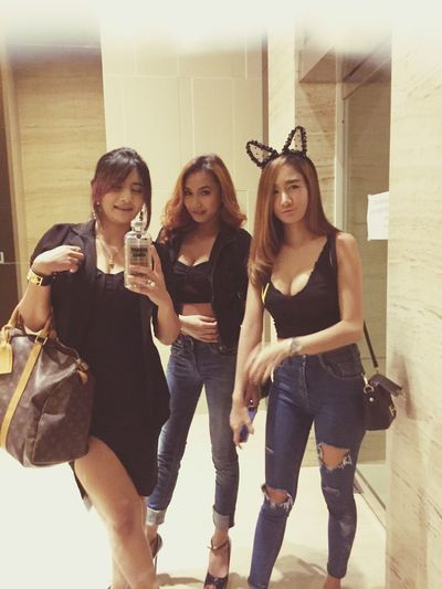 Are u ready!!!!! #drinkhard #workhard #play hard #mamasanglife2015 #poppy #kllife #wclub Enjoying Life Today's Hot Look Partyhard Living Dangerously Kuala Lumpur Malaysia