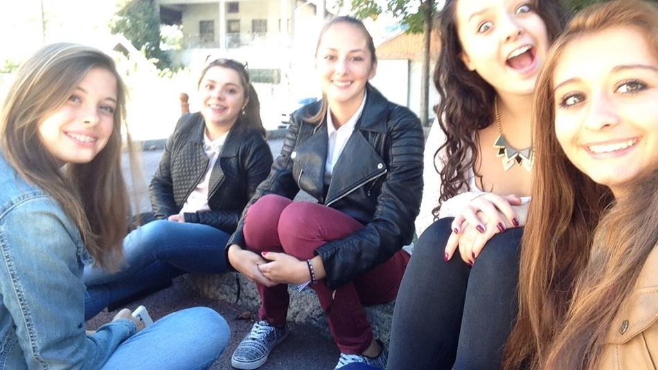Friends Moments Moment Posey After School School Girls Friend Photography Friends ❤