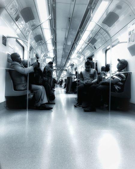Public Transportation Streetphotography Blackandwhite Monochrome Streetphoto_bw Mobilephotography EyeEmBrasil Monoart Monochrome_life