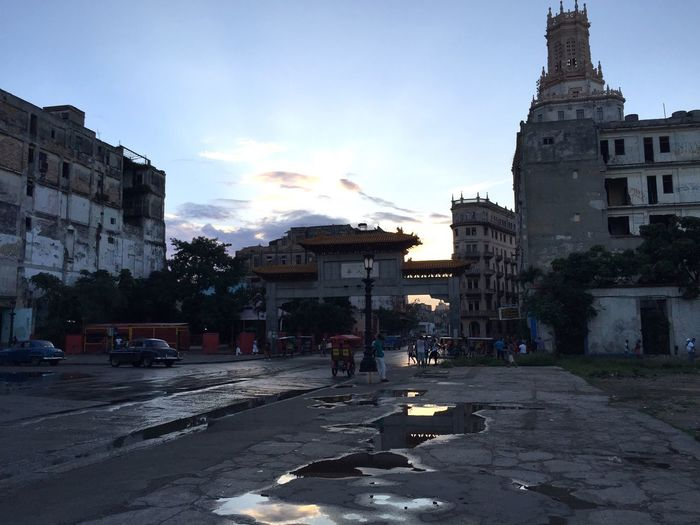 Streets Of Havana Oldtimer Rain Reflection After The Storm Ruins China Town Lotti On Tour