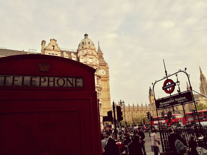 London Lifestyle Travel Destinations Telephone Booth Clock Face Urban Road