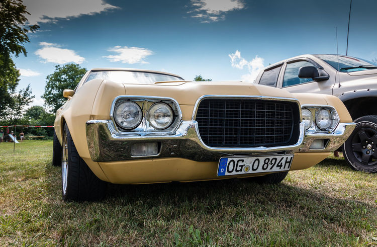 Ford Renchero fotografiert auf dem Power Meet Schwanau Ford Ford Renchero Blue Sky Car Close-up Day Land Vehicle Mode Of Transport Nature No People Old Car Old-fashioned Oldtimer Outdoors Ranchero Retro Styled Sky Transportation Vintage Vintage Cars Yellow