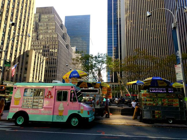 Midtown.photo by Shell Sheddy Architecture Skyscraper Building Exterior City Been There. Shellsheddyphotography Sheshephoto The Week On EyeEm Built Structure Modern light and reflection Icecream🍦 City Landscape Hot Dog Stand Hot Dog Vendor Marketplace Done That.