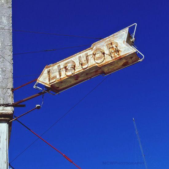 Brenham Liquor Neonsign