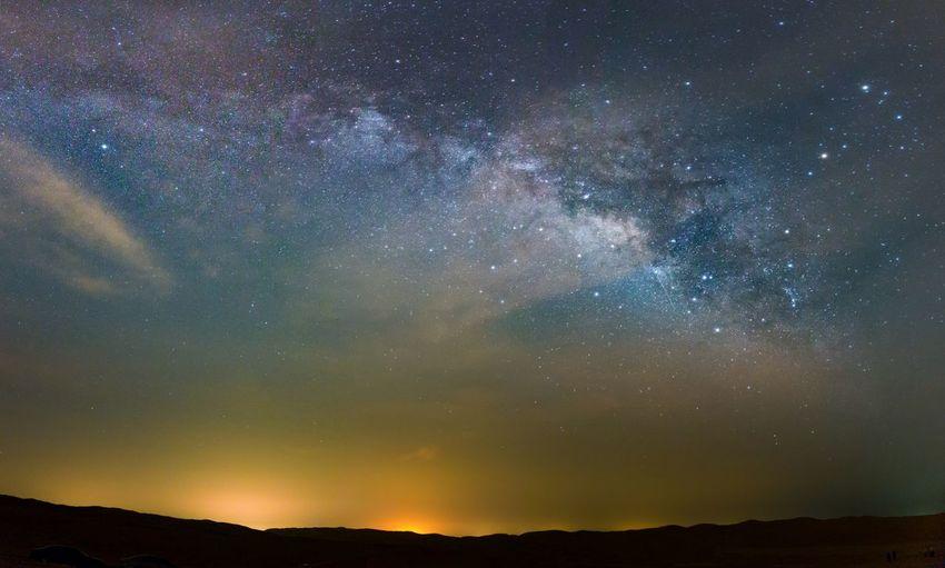 #EyeEmNewHere #Milkyway #LiwaDesert #BillionStars Milkywaygalaxy Liwa Desert UAE Billionsofstars Desert Star - Space Night Astronomy Milky Way Galaxy Space Constellation Beauty In Nature Sky First Eyeem Photo