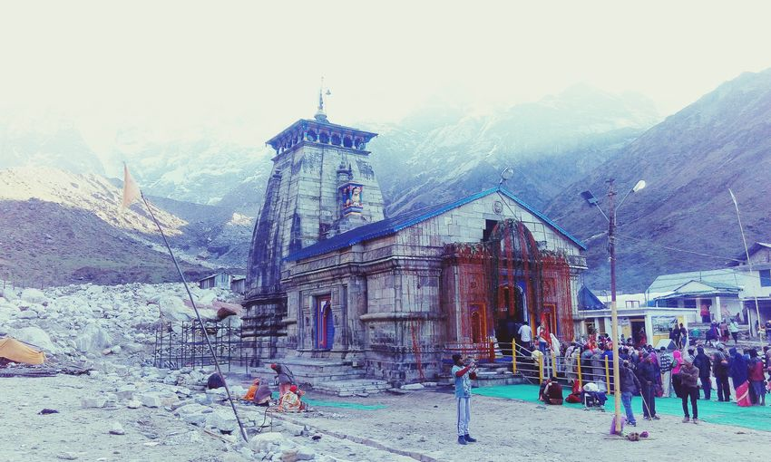 Kedarnath himalayas Built Structure Large Group Of People Architecture People Outdoors Building Exterior Sky Adults Only Day Only Men Ancient Himalaya Religion Ancient Civilization Kedarnath Landscape