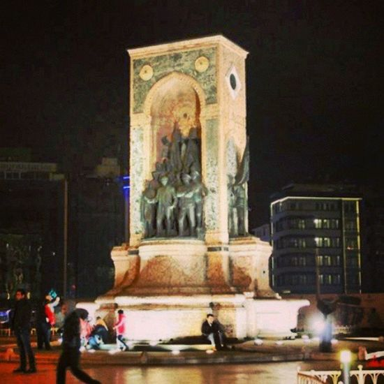 Taksimanıtı Taksimmeydanı Anıt Taksim beyoğlu istanbul 34 bosphorus turkey