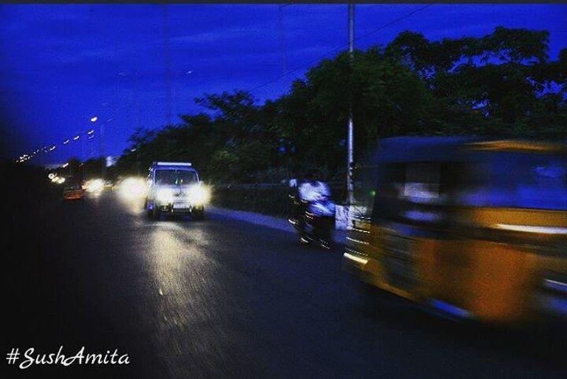 Sushamita MyClick ECR Ecrroad Ecrphotography Outdoorphotography Motionphoto Motionphotography Photographylovers Nikonphotography Nikondslr Nikon NikonD5000 Sky Blue Roadphotography Streetphotography Auto Vehicles Trees Lights Chennai Nammachennai India Tamilnadu sochennai