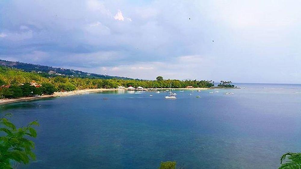 Senggigi beach Agushariantophotography Lombokisland Lombokhighlight Livingthedream Beach Whitesand