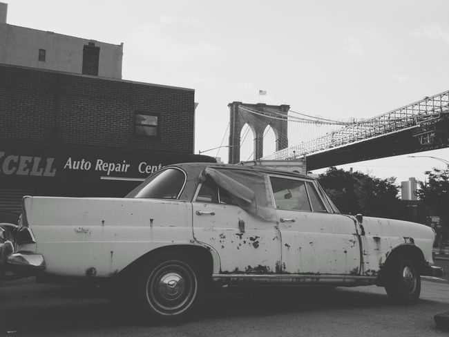 Transportation Mode Of Transport No People Outdoors Architecture Day Old Car Brooklyn Bridge  Brooklyn Brooklyn Bridge / New York NYC Junk Junk Cars The Architect - 2017 EyeEm Awards The Street Photographer - 2017 EyeEm Awards Let's Go. Together. Sommergefühle 100 Days Of Summer The Week On EyeEm Second Acts Mobility In Mega Cities Adventures In The City