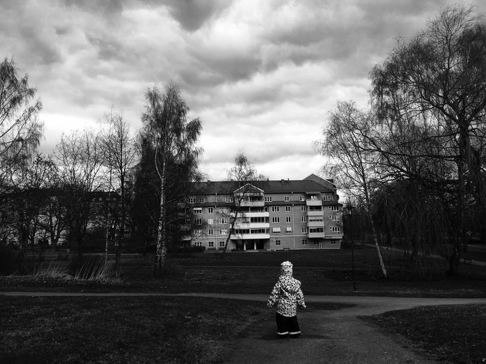 Lonely is strong! Daughter Norrköping Black And White Powerful Wether Scenery Background Dark Girl World Lonesome Lonely Against The World Weather City Life Urban Lifestyle Urban Photography Urban Life Urban Child