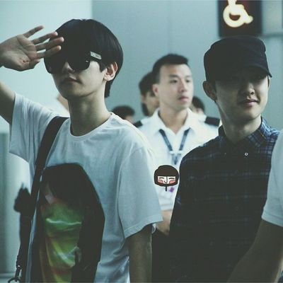 | 140603 | HK?ICN Airport . Baeksoo? The filter makes this photo look dark. Aww yuckiiew I'm sorry. Dyed my hair again and again because of the failure. . 나의 소년에게 || Kyungsoo Dokyungsoo 都暻秀 嘟嘟 도경수 디오 exok exo exom exotic 엑소 xenpais EXOsmine smpackofwolves exodaebakkk kyungsooish || follow @d.otv