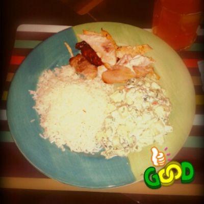 Almuerzo por el Diadelpadre por todos los q no son nuestros padres pero los amamos como si lo.fueran Igersperu Instagramperu