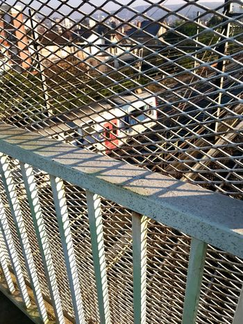 Fuite Fence Barrier Boundary Safety Day Sunlight Metal Protection Security No People Transportation Architecture