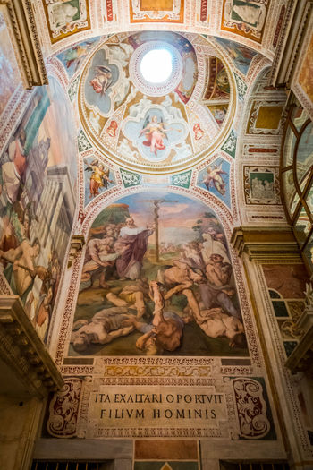 Art And Craft Religion Architecture Place Of Worship Belief Representation Text Human Representation Spirituality Built Structure Mural Indoors  Ceiling Creativity Male Likeness Building Craft No People Fresco Cupola Ornate