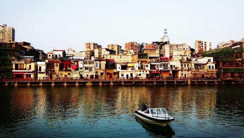 小渔港 Architecture Nautical Vessel Building Exterior Water Waterfront City No People EyeEmNewHere The Graphic City