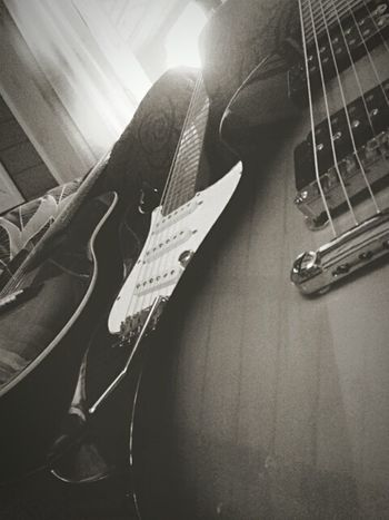 All I need ♥ Guitars EpiphoneGuitars Monday Blues Deanzelinsky