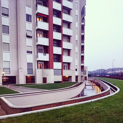 Urbanlandscape Leonka Criticalwine Milan Rainy Sunday