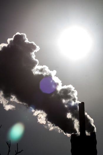 Silhouette Sunlight Sunbeam Industry Chimney Chimney Smoke Smoke Industry In City Environment Lens Flare Pollution Polluting Pollution In My World
