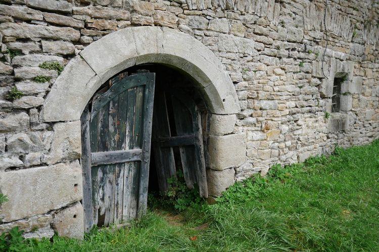 château des Bourines Portail Ancient Occitanie Aveyron Castle Stone Wall Medieval Architecture Door Château Des Bourines Old Architecture