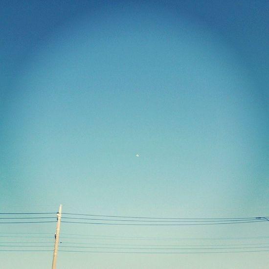3年前の今日もいい天気でぽかぽか陽気だった。 早くみんなが心から、笑えるようになりますように。 311 Prayforjapan Japan Sky