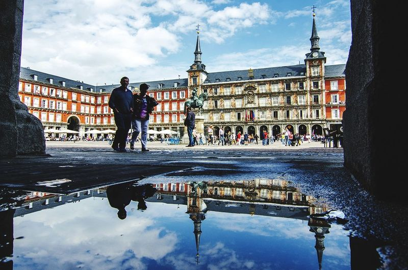 Reflejo mayor #madrid #callejeando #EyeEmNewHere #photography #streetphotography #EyeEm # #plaza Mayor City Water Cityscape Politics And Government Full Length Men City Gate Bridge - Man Made Structure Reflection Bicycle Monument
