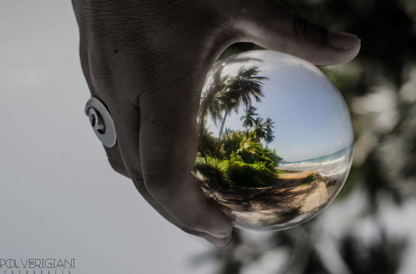 mi mundo sin arte estaria del reves ...No People Nature Outdoors Day Sky EyEmselect Magic 50mm Perfect Tranquility Glassball Reflection Fragility Caribe Adventure Juggling Sea Scenics Waterfront Perfectnature Incredible Crystal Crystal Ball Amazing Nature