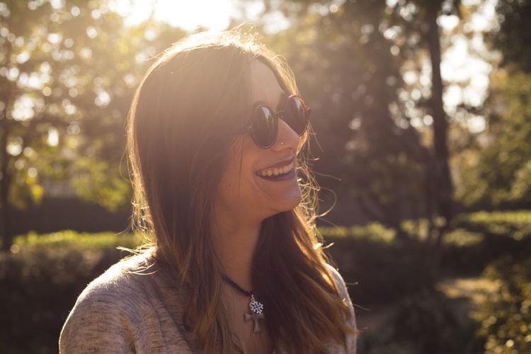 Smiling Happiness Toothy Smile Long Hair Portrait Beauty Women Sunglasses Fun Bcn Light Sun Portraits Portrait Photography