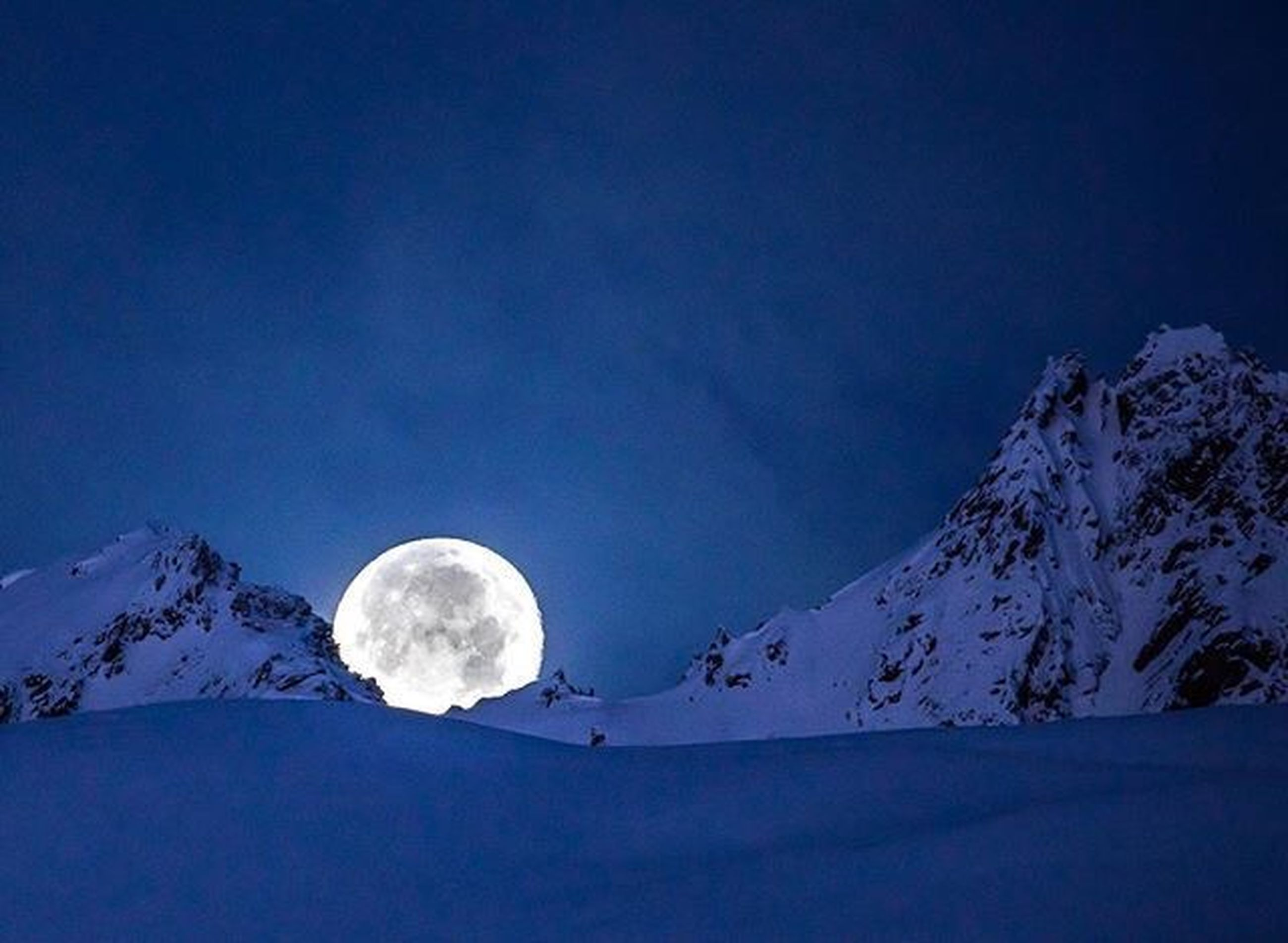 moon, full moon, sky, night, snow, mountain, scenics - nature, cold temperature, beauty in nature, winter, nature, tranquility, tranquil scene, no people, astronomy, snowcapped mountain, cloud - sky, space, idyllic, moonlight, outdoors, planetary moon, mountain peak